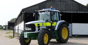 Тракторы вводятся на вооружение правоохранительных органов